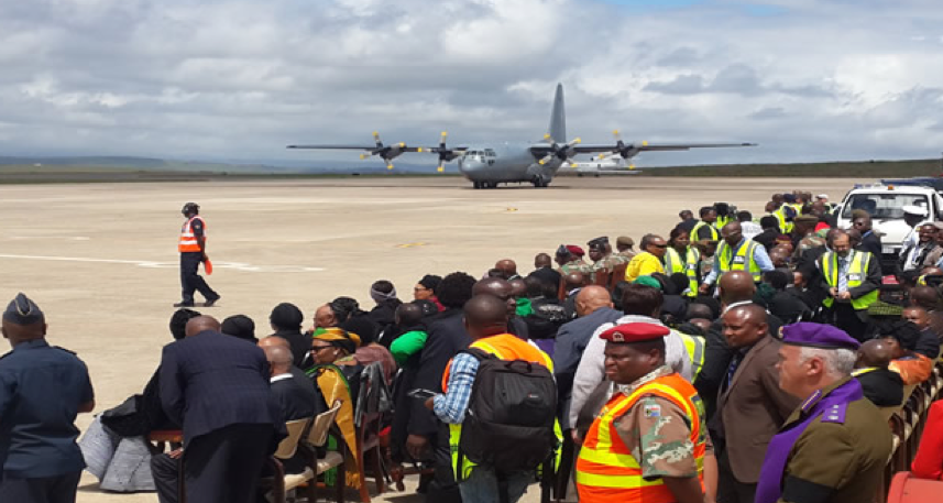 Family and dignitaries waiting to welcome Madiba's body at the Mthatha Airport. SAnews