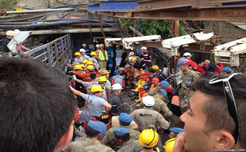 Mine_rescue_in_Soma,_Turkey