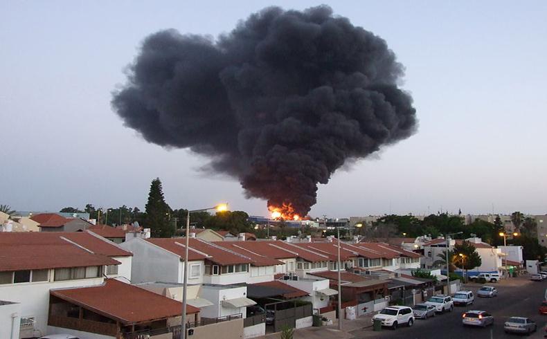 SderotBurningFactory1
