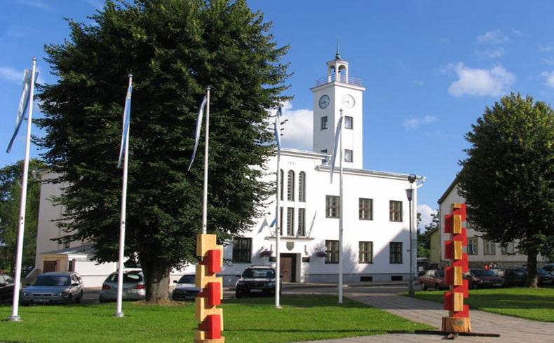 Un maestro fue muerto en un tiroteo en una escuela de Estonia