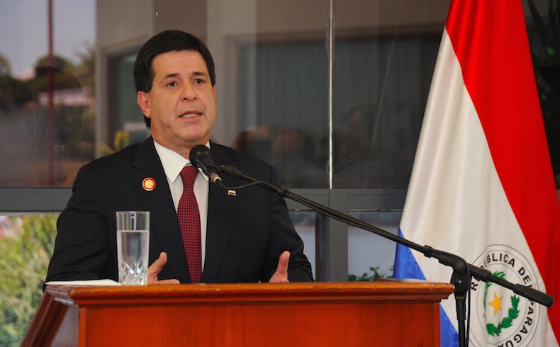 Horacio Cartes: Fortaleciendo el Movimiento Honor Colorado en Paraguay