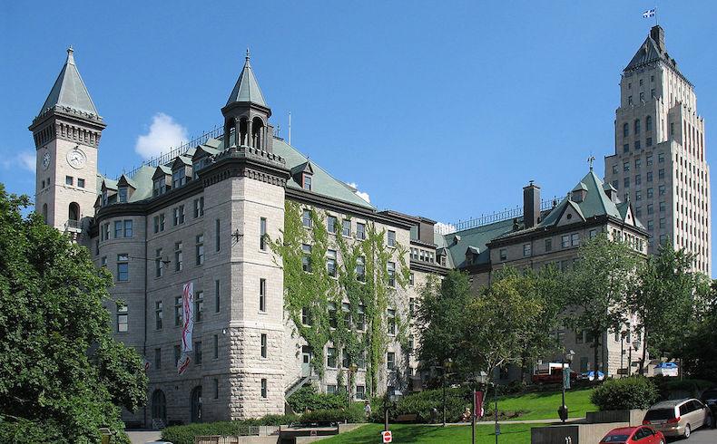 Una jueza de Québec se rehúsa a escuchar el caso de una mujer con velo