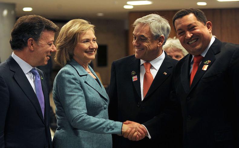 El difunto presidente Chávez se reúne con Hillary Clinton el 1 de enero de 2011, Brasilia
