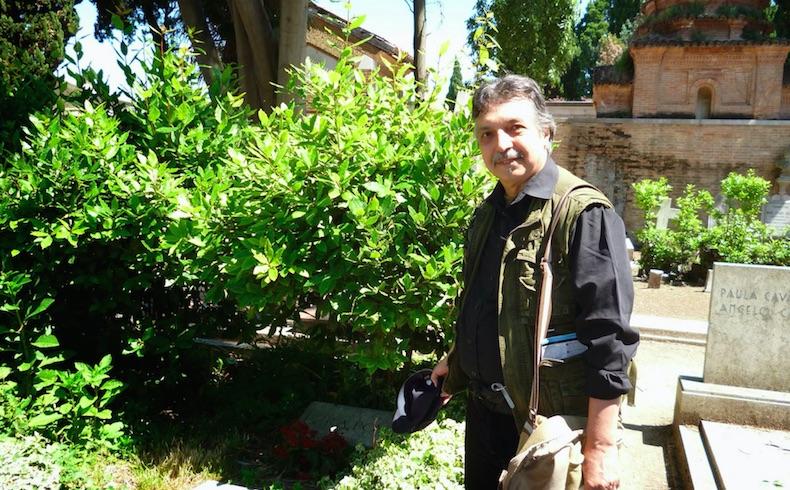 Manuel Ruano: sus respuestas y poemas