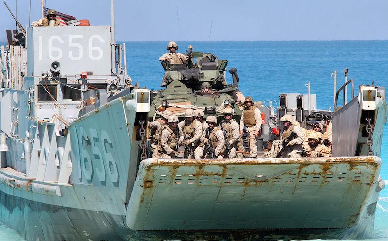 Marines de la 22.ª Unidad Expedicionaria de Marines.