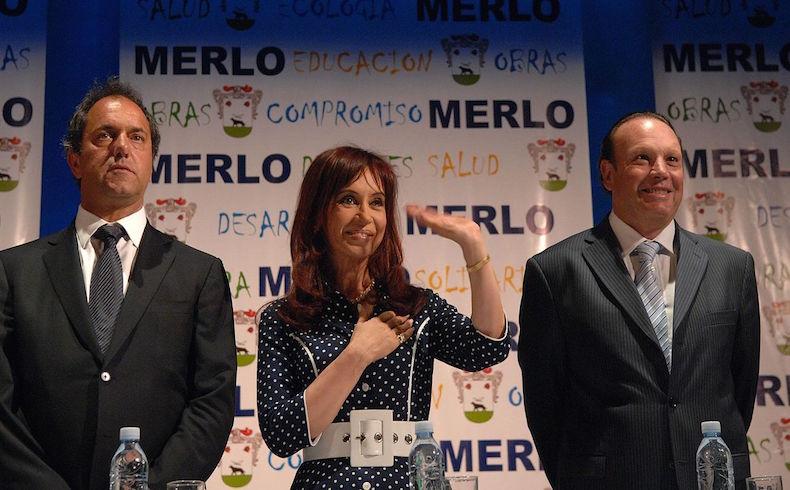 Gobierno de Uruguay niega apoyo oficial a Scioli, pero sí simpatía y optimismo