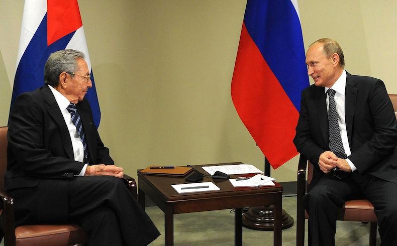 Raul Castro Vladimir Putin