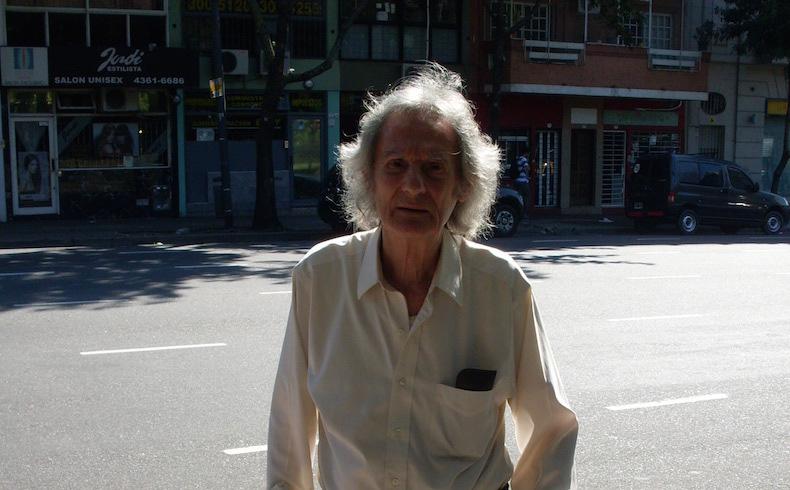Eugenio Mandrini: sus respuestas, poemas y microficciones