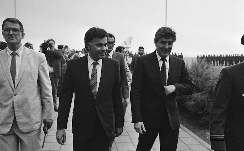 Felipe Gonzalez junto al Primer Ministro de los Países Bajos, Ruud Lubbers. (Fuente: Wikipedia)