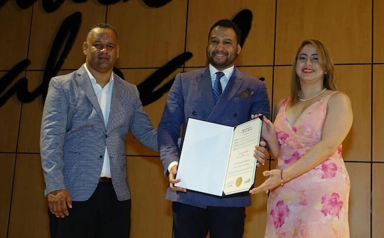 Institución dominicana Iniciativa PRO-RD reconoce al destacado analista político Geovanny Vicente Romero