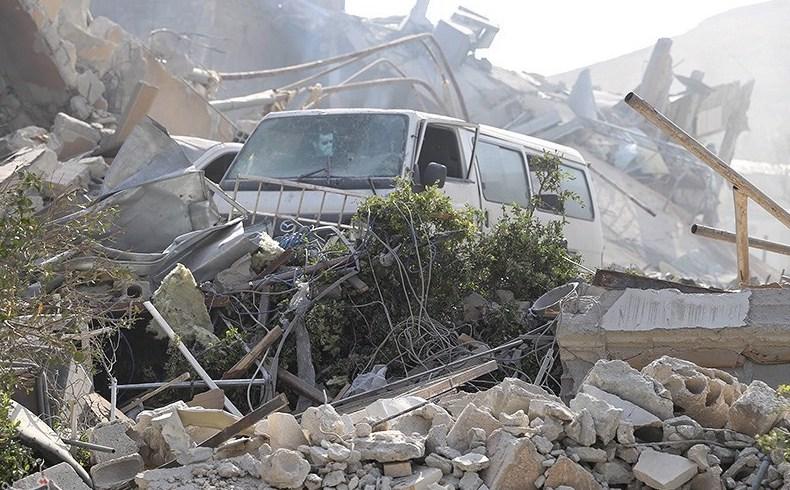Las ruinas del ataque de misiles estadounidense contra Siria (Foto: Fathi Nizam)